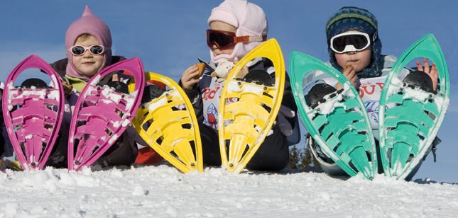 kids with snowshoes