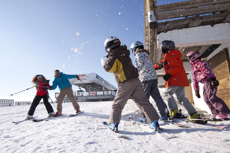 Snowball fight in Tignes