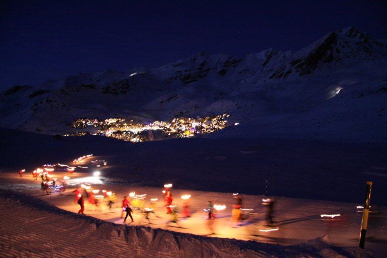 Torchlight descent in Val Thorens